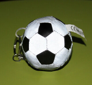 Helkurmänguasi - Helendav jalgpall