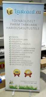 Klassinen Roll-Up Lasteaed